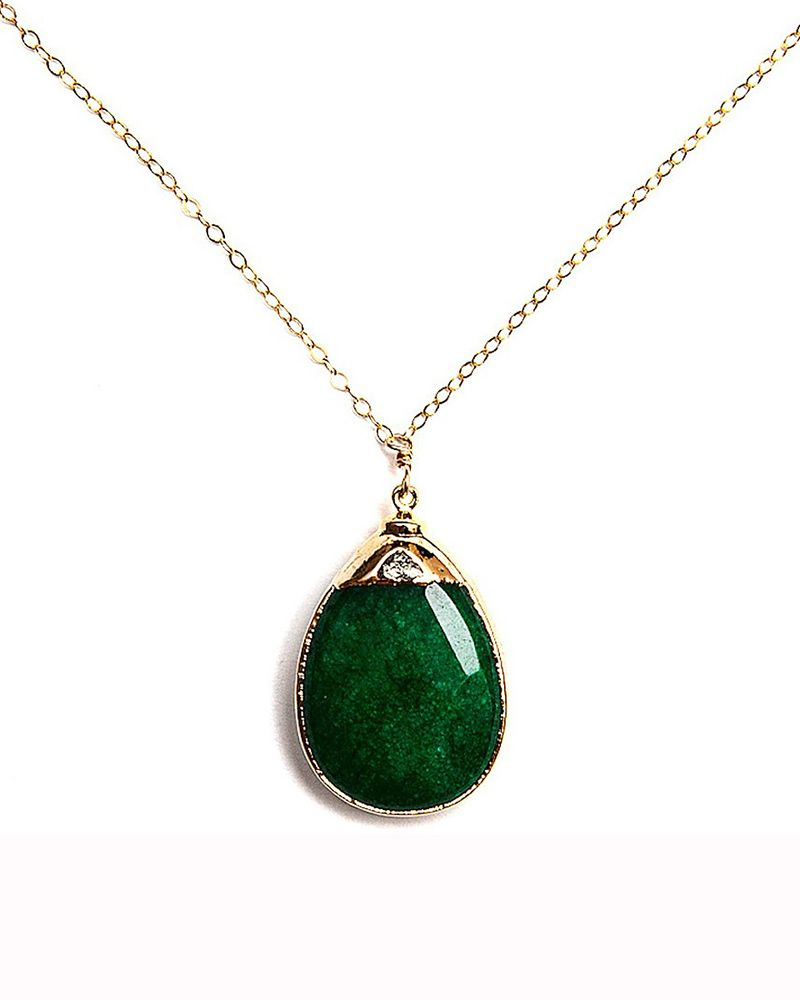 Green jade amsu necklace by robyn rhodes needful things for Pictures of jade jewelry