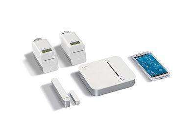 Bosch Smart Home   Das sichere Smart-Home-System.  Das Bosch Smart Home System setzt auf offene Standards und Plattformen. Bosch erfüllt mit seinem System höchste Anforderungen an Datenschutz und Datensicherheit.  Abbildung: Das Bosch Smart Home Raumklima Paket mit 2 Heizkörper-Thermostate und 1 Tür-/Fensterkontakt