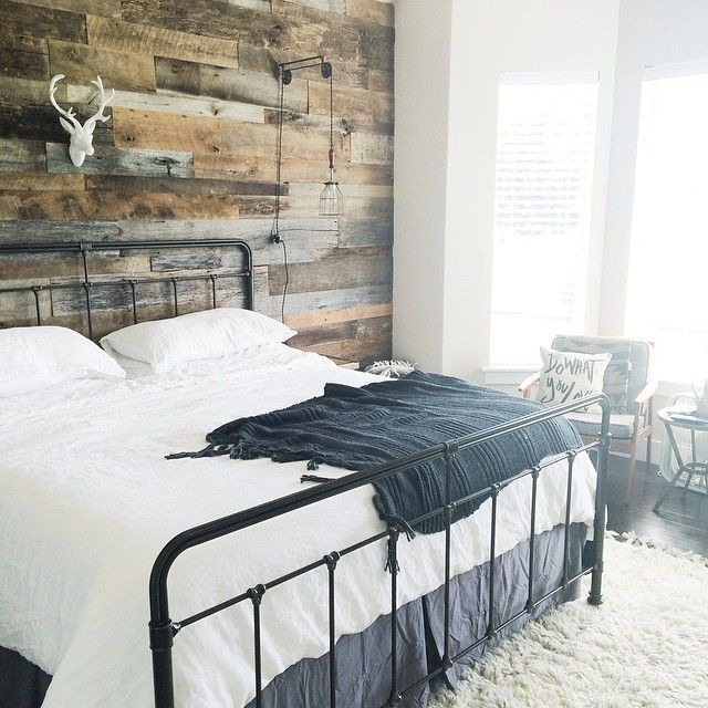 Reside At 2727 Accent Wall Program: Basement Guest Rooms