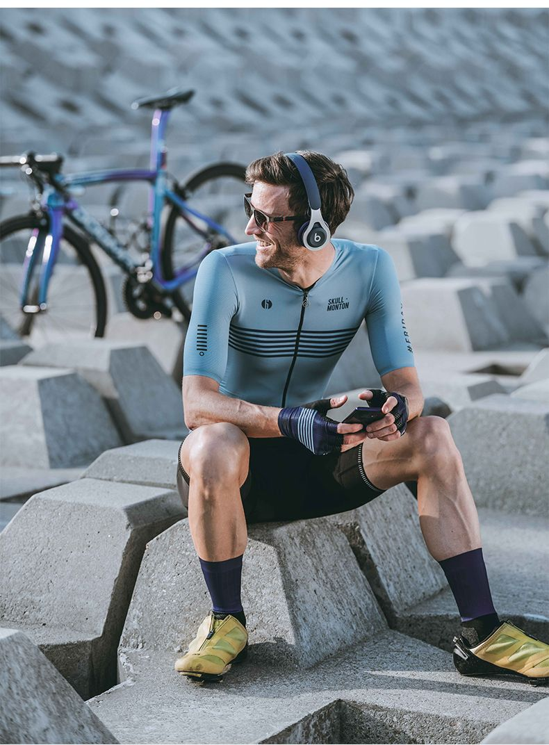 Awesome Cycling Kits In 2020 Cycling Outfit Cycling Jersey