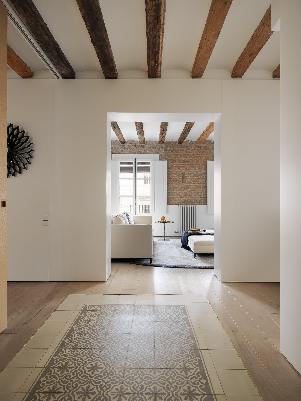 Perfekt #Wohnzimmer Designs Dieses Apartment Bringt Modernen Stil In Das  Mittelalterliche Barcelona #Moderne Häuser