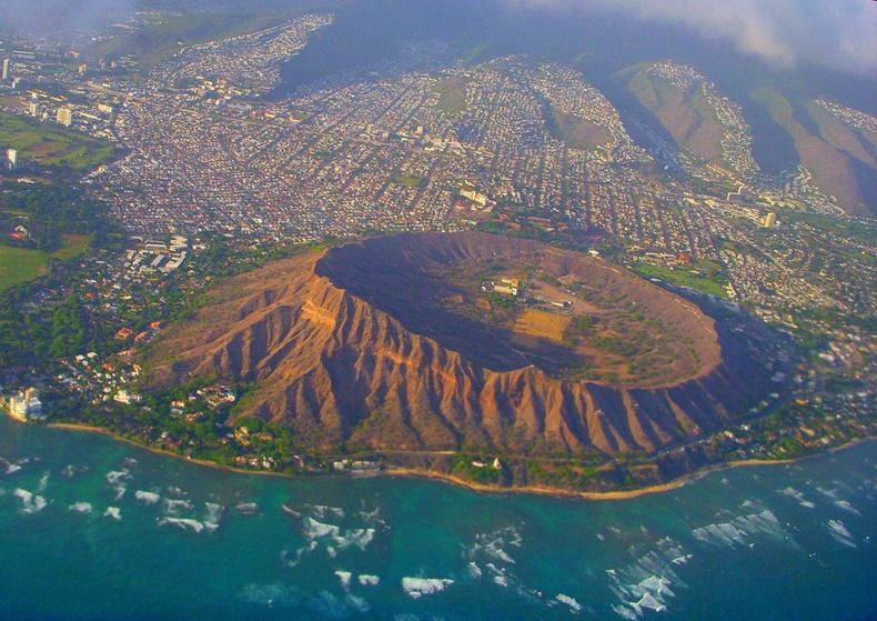 Diamond Head Volcanic Crater Hawaii Located On The Eastern Edge Of Waikiki S Coastline Is A Famous And Most Recognized Landmark
