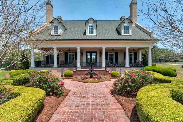 Take a tour of all 107 Tallahassee homes for sale with backyard pools, and then catch the video of the ten best swimming pools in the world. You can do it all right here! #BackyardPools #HomesForSale