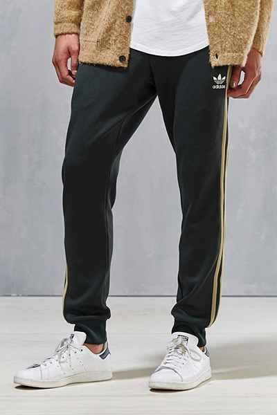 promo code 21291 2ec7f Compras En Línea · adidas Originals Superstar Cuff Track Pant - Urban  Outfitters