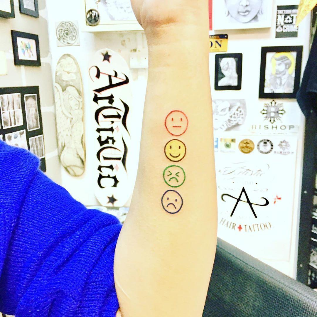 Emoji 😐🙂😣☹️ Enquiry/appointment +65 92377617  #artisticstudiohairtattoo #skinart #tattoo #tattooart #tattoowork #tattooartist #tattooist #tattoodesign #tattoostudio #tattooshop #singaporetattoo #singaporetattooshop #singaporetattoostudio #singaporeink #sgink #sgtattoo #tattooshopsingapore #singaporetattooartist #tattoosingapore #新加坡纹身 #新加坡纹身店 #新加坡纹身师 #bishoprotary  #google  #bugistattooshop #bugissingapore #fusion_ink #emojitattoo #emoji
