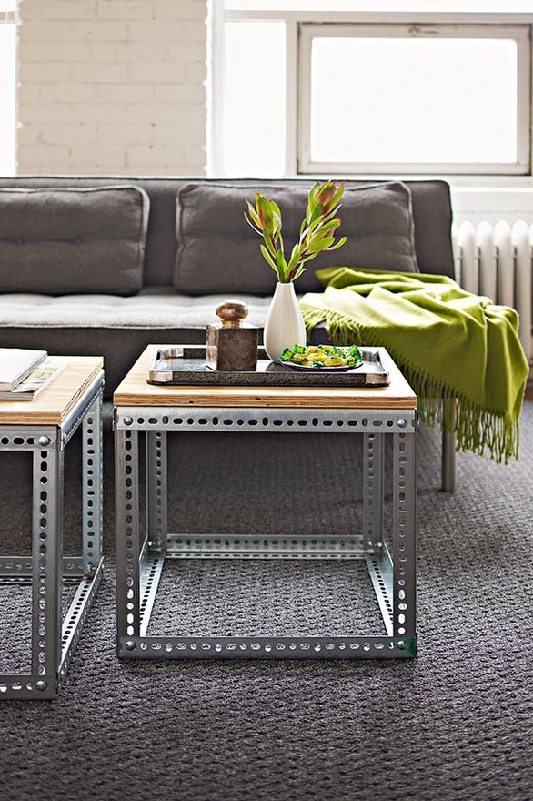 Awesome wood and metal table would be easy to make for Decoracion hogar articulos