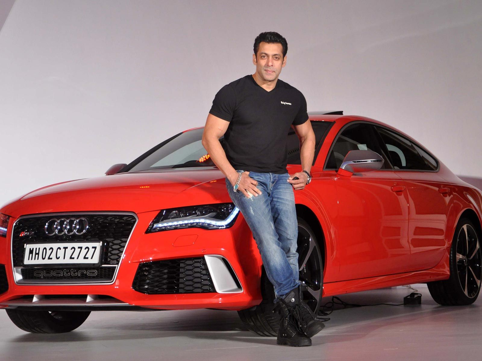 SRK gift Salman Car