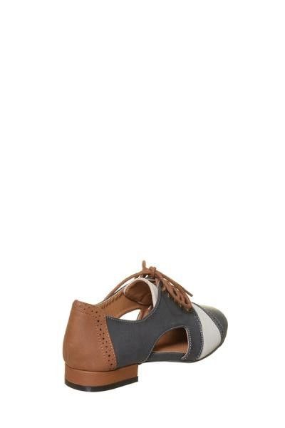 OLIVER-02 Side Cut Out Oxford Color: Grey, Size: 6 – snigo