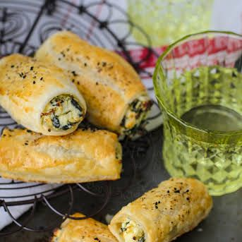Feta Ricotta Spinach Rolls #frozenpuffpastry