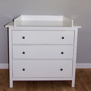 wickelaufsatz wickeltischaufsatz fuer ikea hemnes kommode neu weiss ikea pinterest hemnes. Black Bedroom Furniture Sets. Home Design Ideas