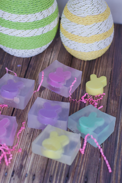DIY Bunny Rabbit Soap Easter Gifts. Super easy soap making made with a milk carton and silicon mold. Easy Soap making idea for Easter.  Bunny soaps perfect Easter basket filler or Easter craft How to make bar soap with cute bunny rabbits inside. DIY