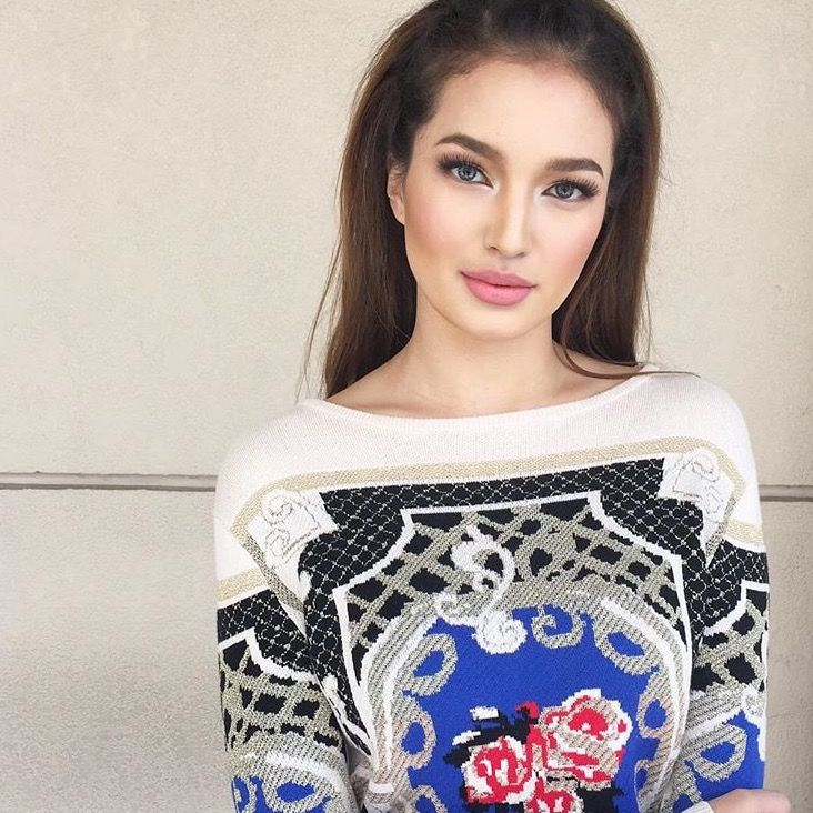 8 times sarah lahbati looked insanely dolllike times