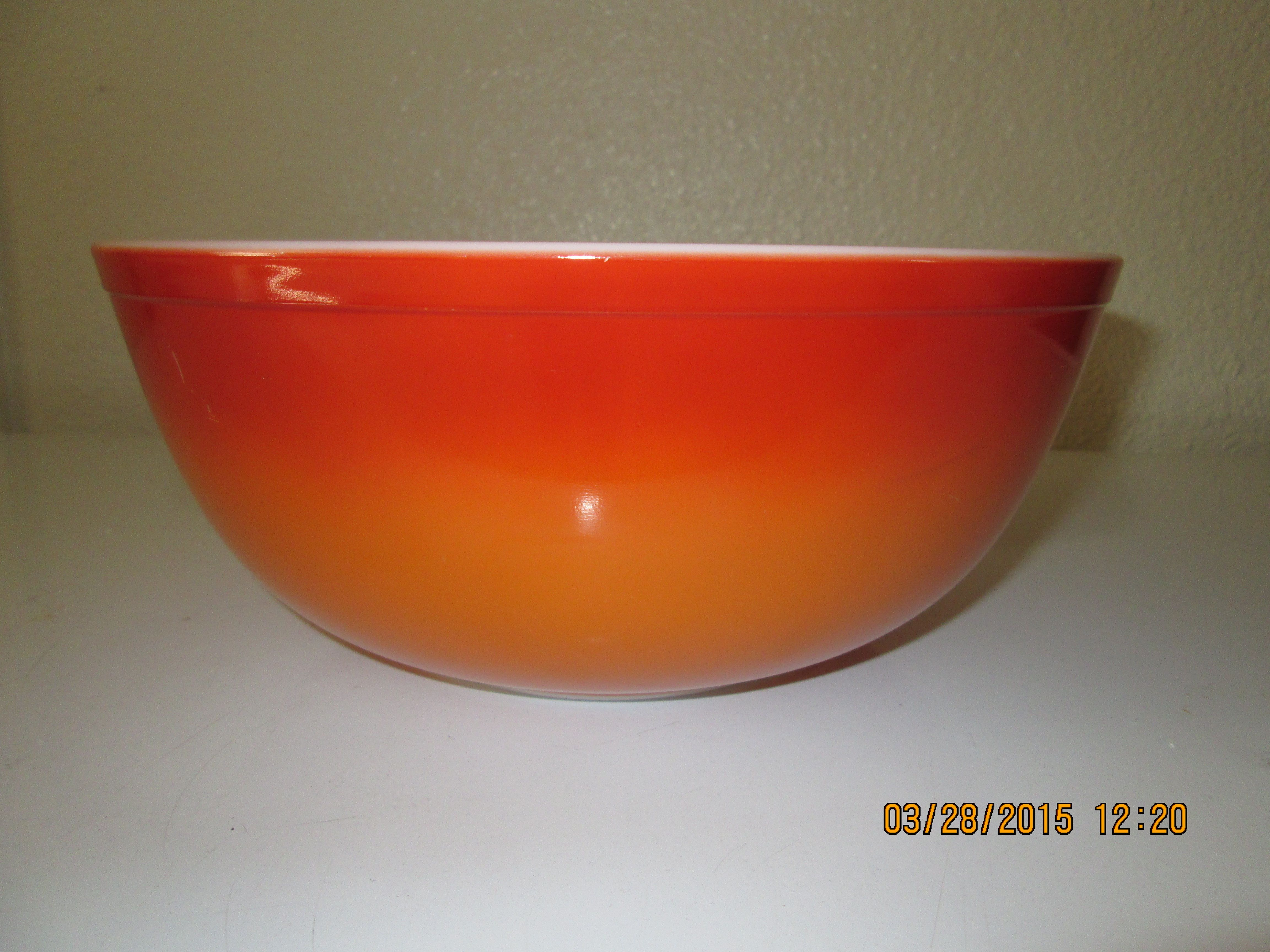 Orange Glo 4 Qt Vintage Pyrex Bowl I Found At A Local Thrift Store In Manteca Ca Paid An Awesome Price For It A Vintage Pyrex Bowls Pyrex Vintage Orange Glo