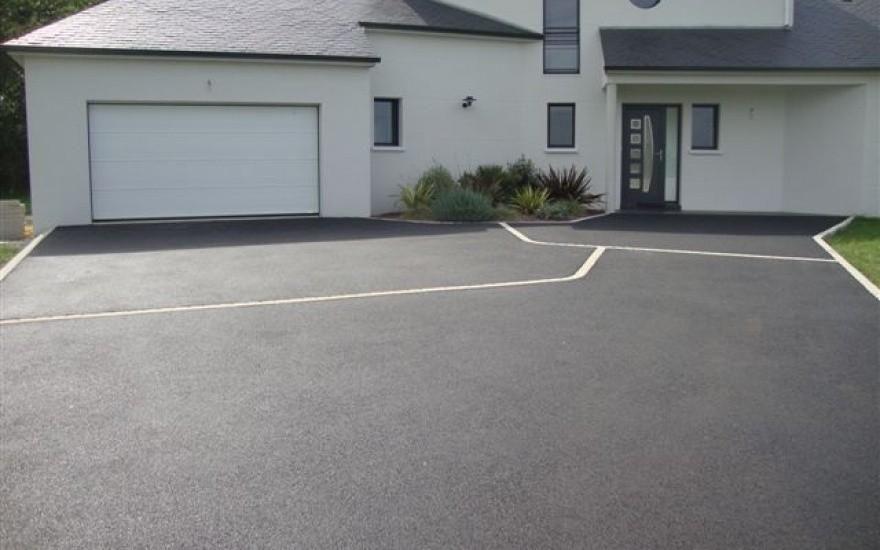 Projet du0027aménagement du0027Allée de garage en Nérostar® parking maison