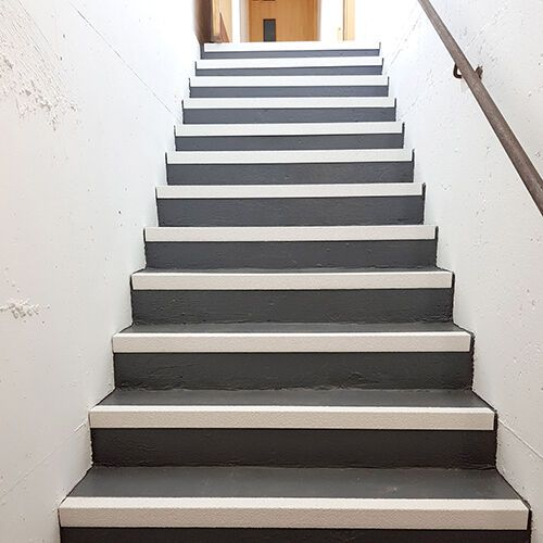 Best Non Slip Nosing Ideal For Use On All School Interior Or 640 x 480