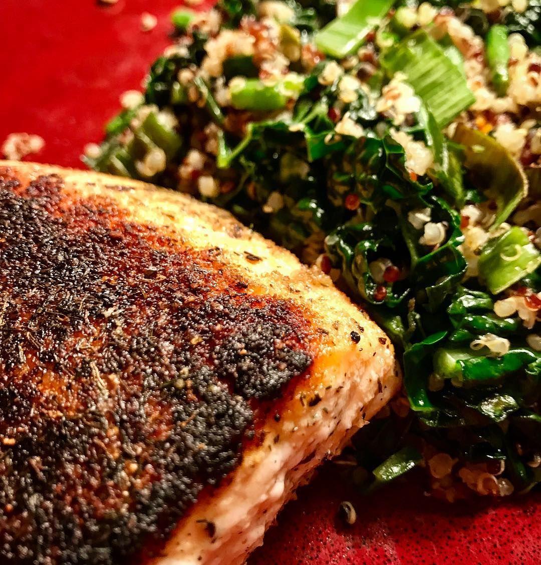 Pan seared salmon with sautéed quinoa, kale, asparagus and leeks #glutenfree #glutenfreeeats #healthyanddelicious #eatyourveggies #highproteinglutenfree #robinecoaching #quickandeasydinner #usewhatyouhave #datingmyselftonight #becreativeinthekitchen