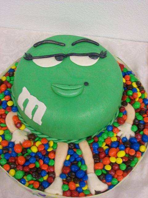 Green Lady MM Bed cake Fondant birthday cakes and Birthday cakes