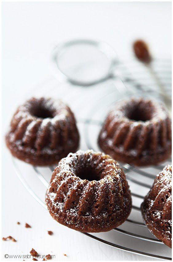itsy bitsy moo moo chocOlate caramel bundt cakes