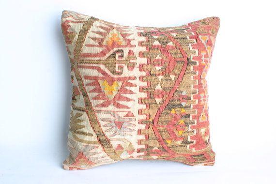 Yuner/Turks Handmade  Kilim Pillow CaseDecorative von YUNERSHOP, $74.95