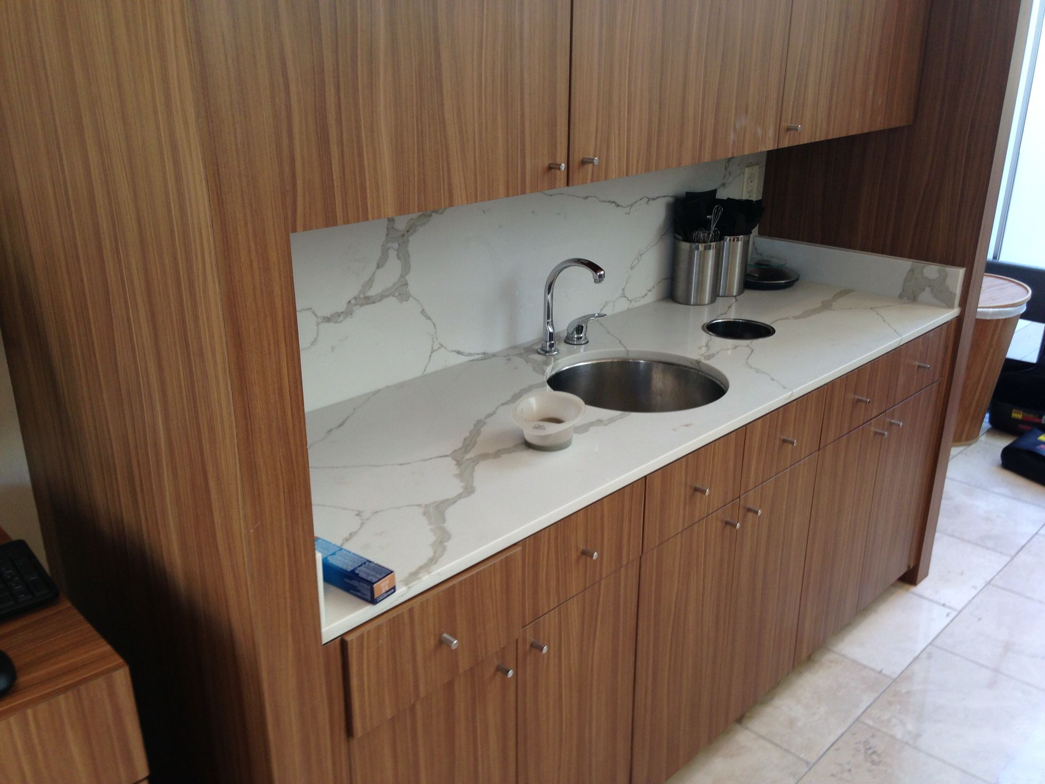 Daltile One Quartz Nq06 Installed On Counter Top