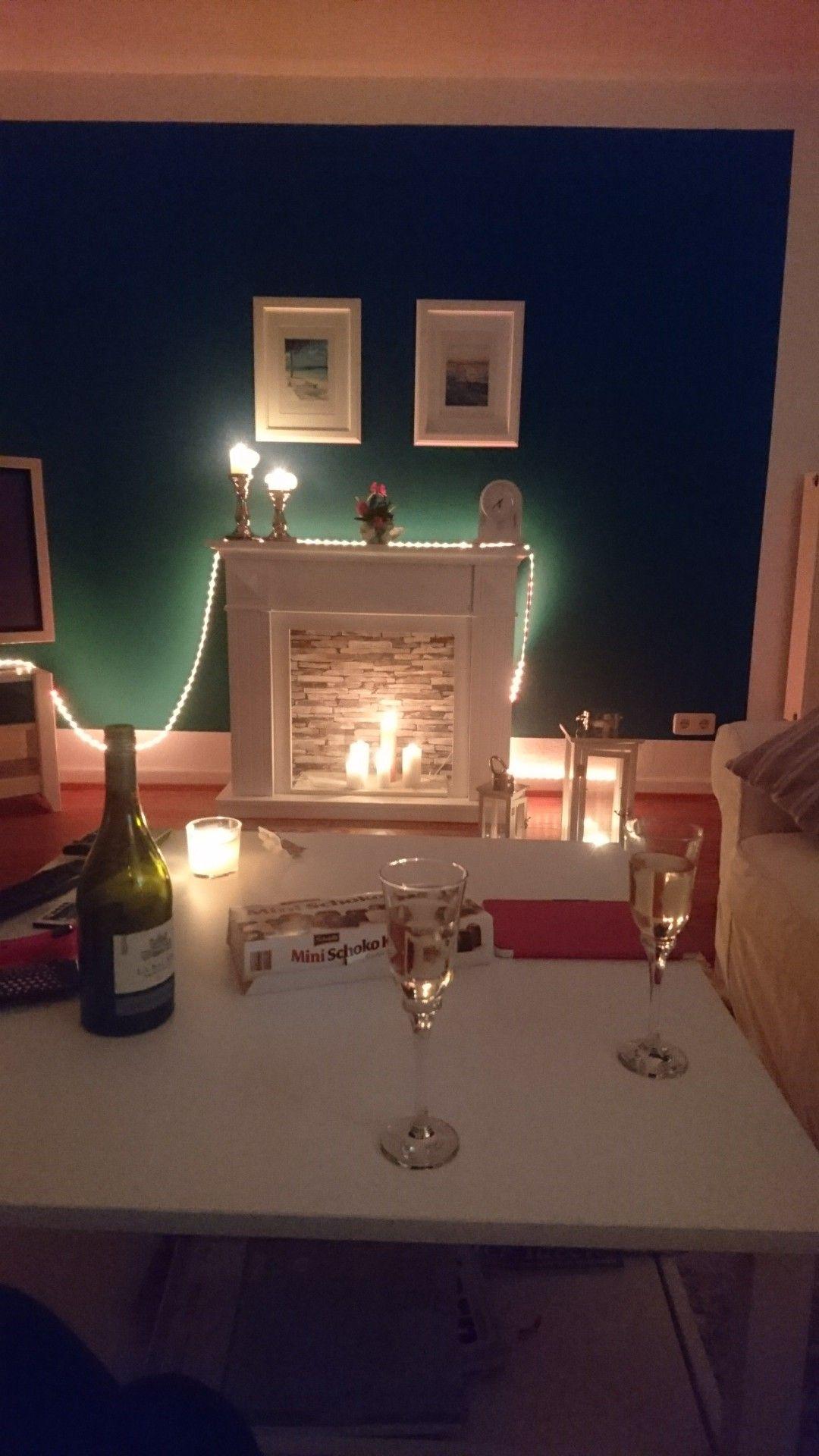 #Home #Kamin #blau #Aristokratie #gemütlich #Zuhause #Wohnzimmer #Couch