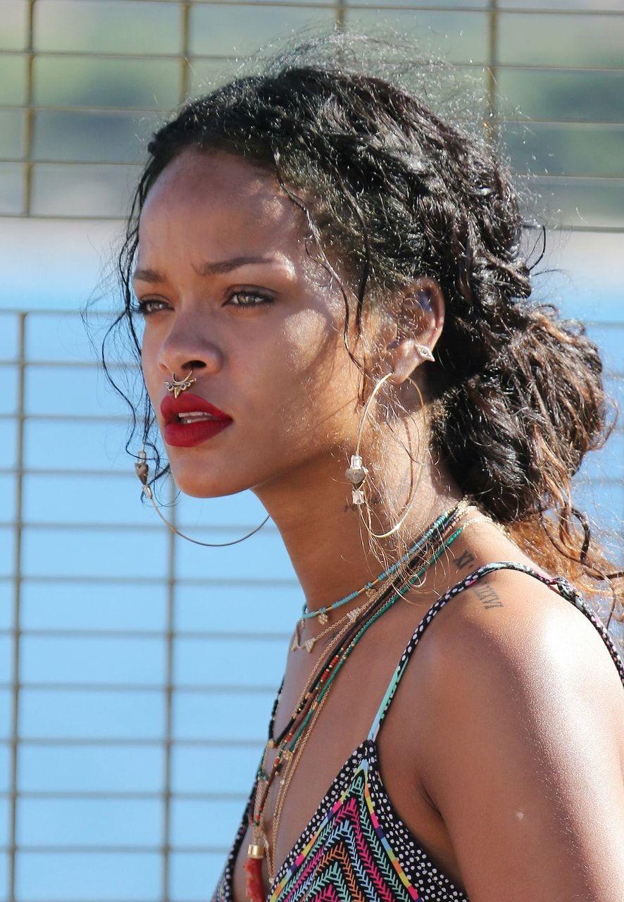 Fenty Beauty Rihanna Navy And Beauty Getthelook In 2020
