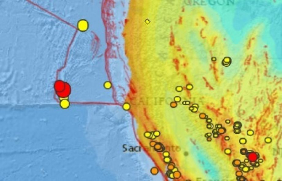 Pair of earthquakes 50 and 49 magnitude off north california a usgs map showing recent earthquakes within the past 7 days along the san andreas fault off the coast of california red indicates most recent quakes gumiabroncs Choice Image