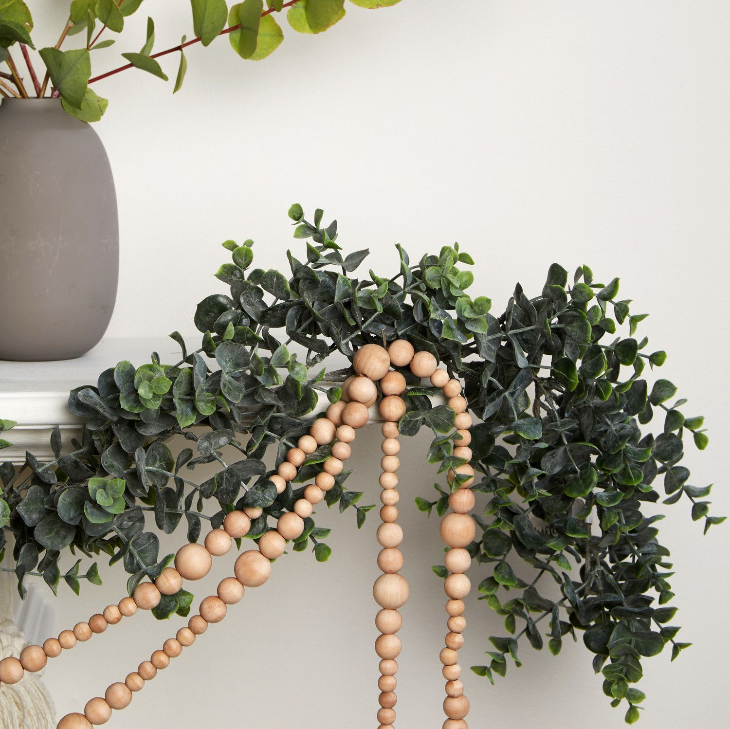 3 Gorgeous Ways To Decorate Your Mantel For Christmas With Images