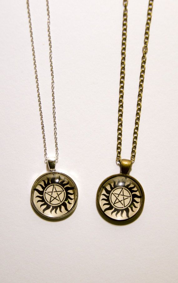 Supernatural Inspired Pentagram Attached to Dean's Mettalicar Kansas License Plate - Silver Wiccan Necklace in Gift Box SqY6jBX