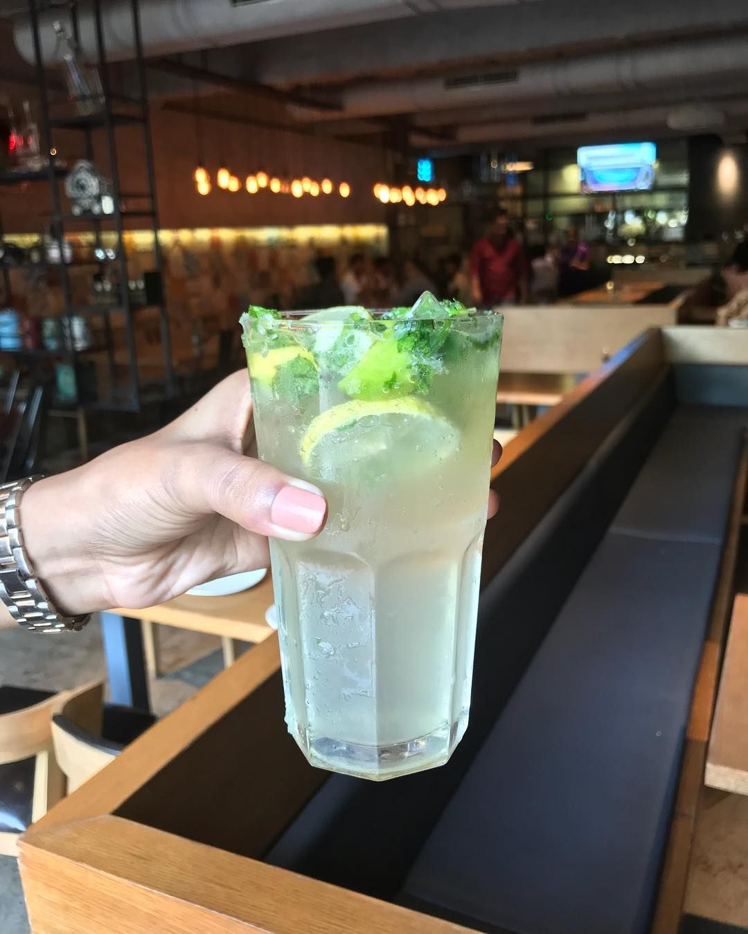 Lets start the day with a refreshing drink Virgin Mojito