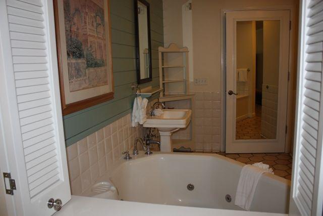 Bathroom With Jacuzzi 30 Photo On Disney us Old