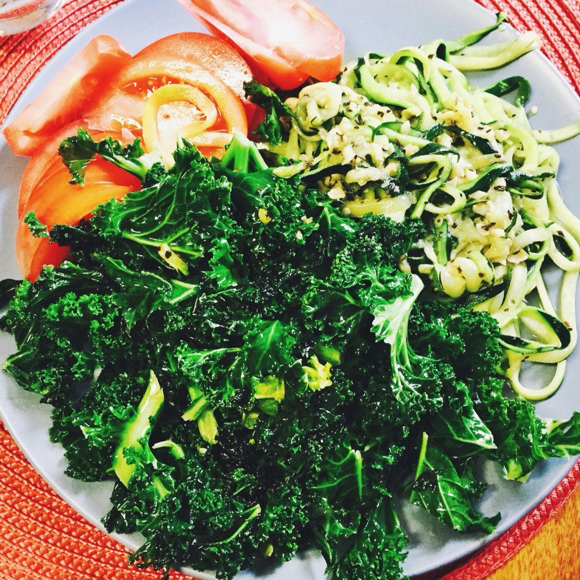 Zucchini spaghetti, cooked kale and fresh tomatoes!