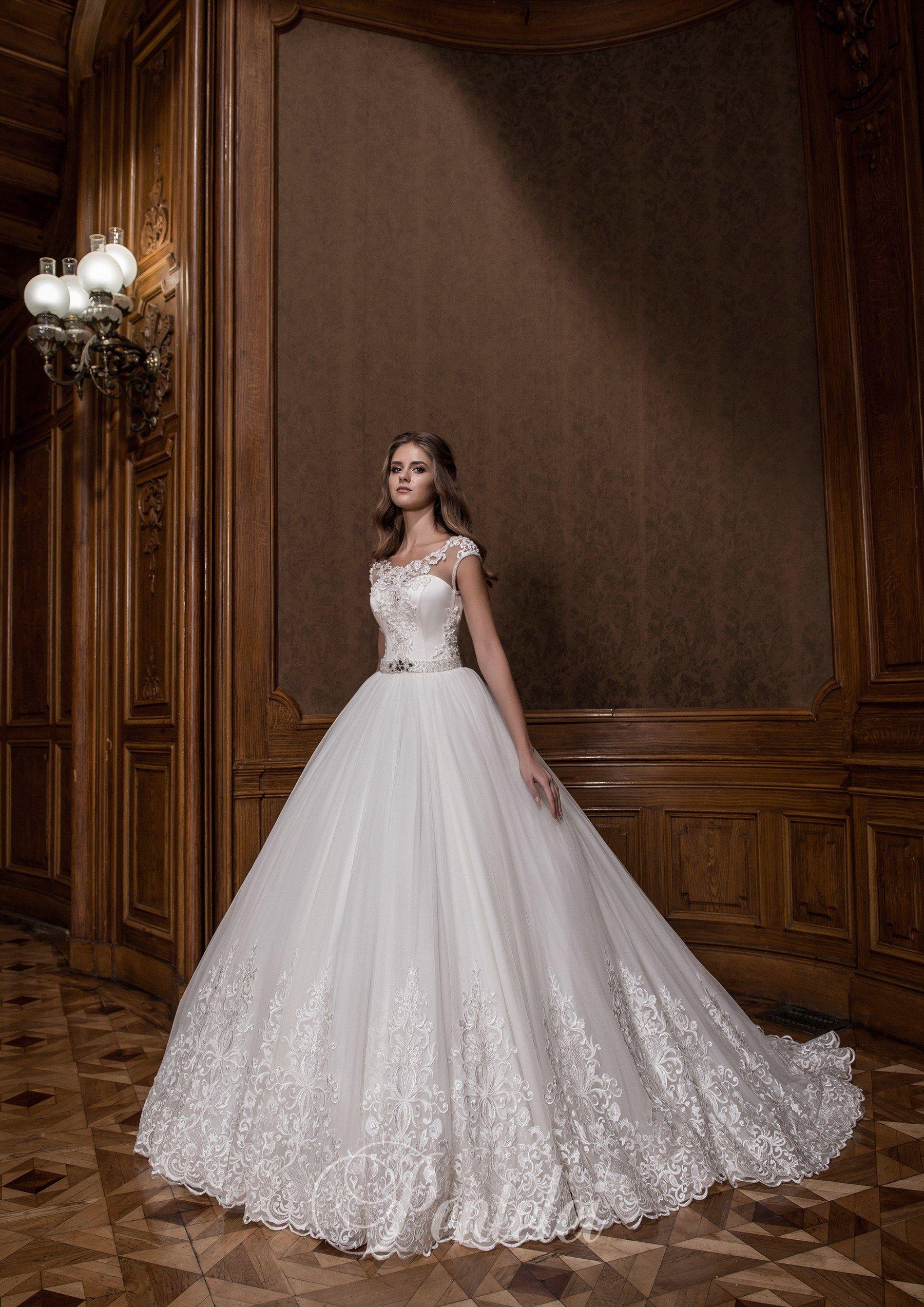 1755 Buy wholesale wedding dresses from Pentelei