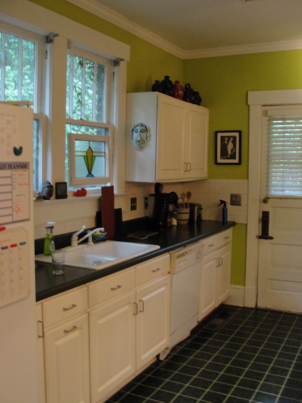 Kitchens With White Cabinets And Green Walls White Kitchen Cabinets Green Walls  Dolist  Pinterest  Green