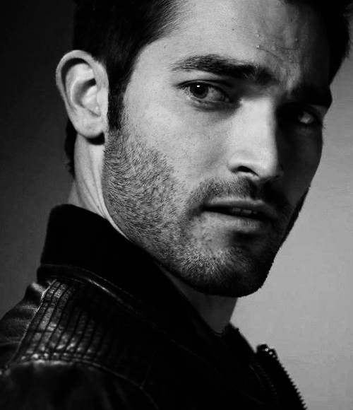 Great big high quality pic of Tyler as Derek Hale. Fab!