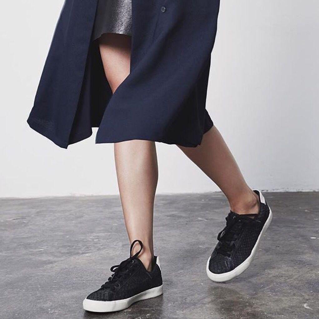Pin By Dagmar On Sneakers Black Kicks Veja Shoes Black