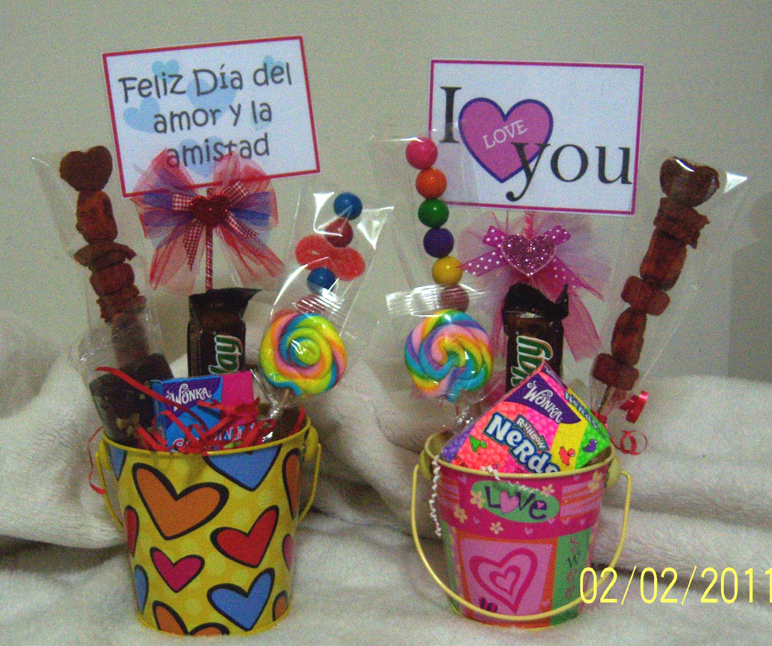 Tinas Con Variedad De Golosinas Y Chocolates San Valentin  ~ Detalles Con Fotos Para Regalar
