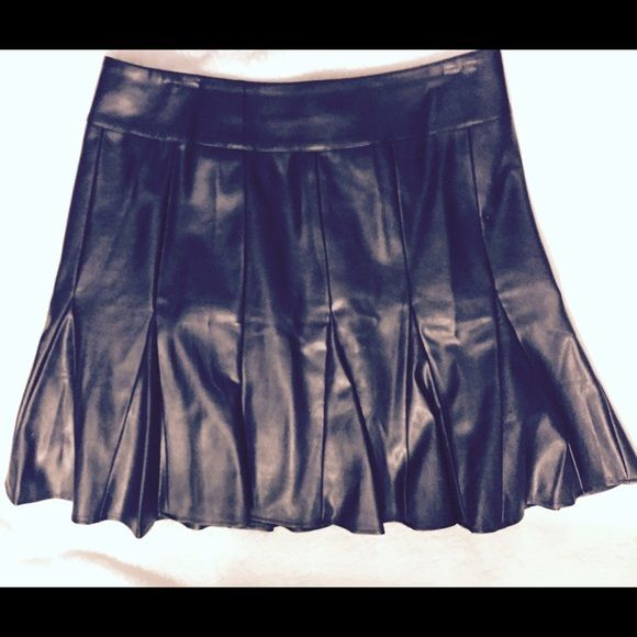 Leather skater skirt Fun Ann Taylor leather skater skirt Ann Taylor Skirts Circle & Skater