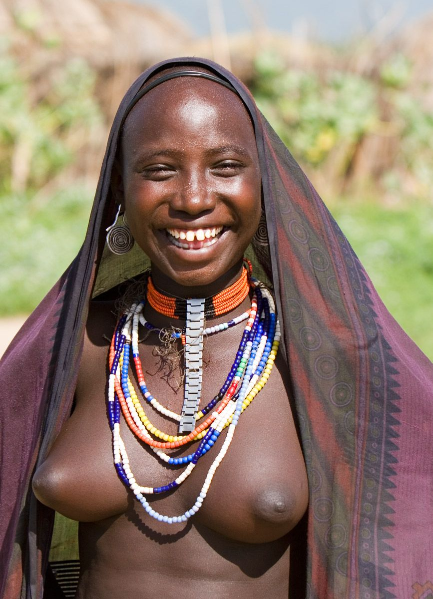 Bare tribal african pussy