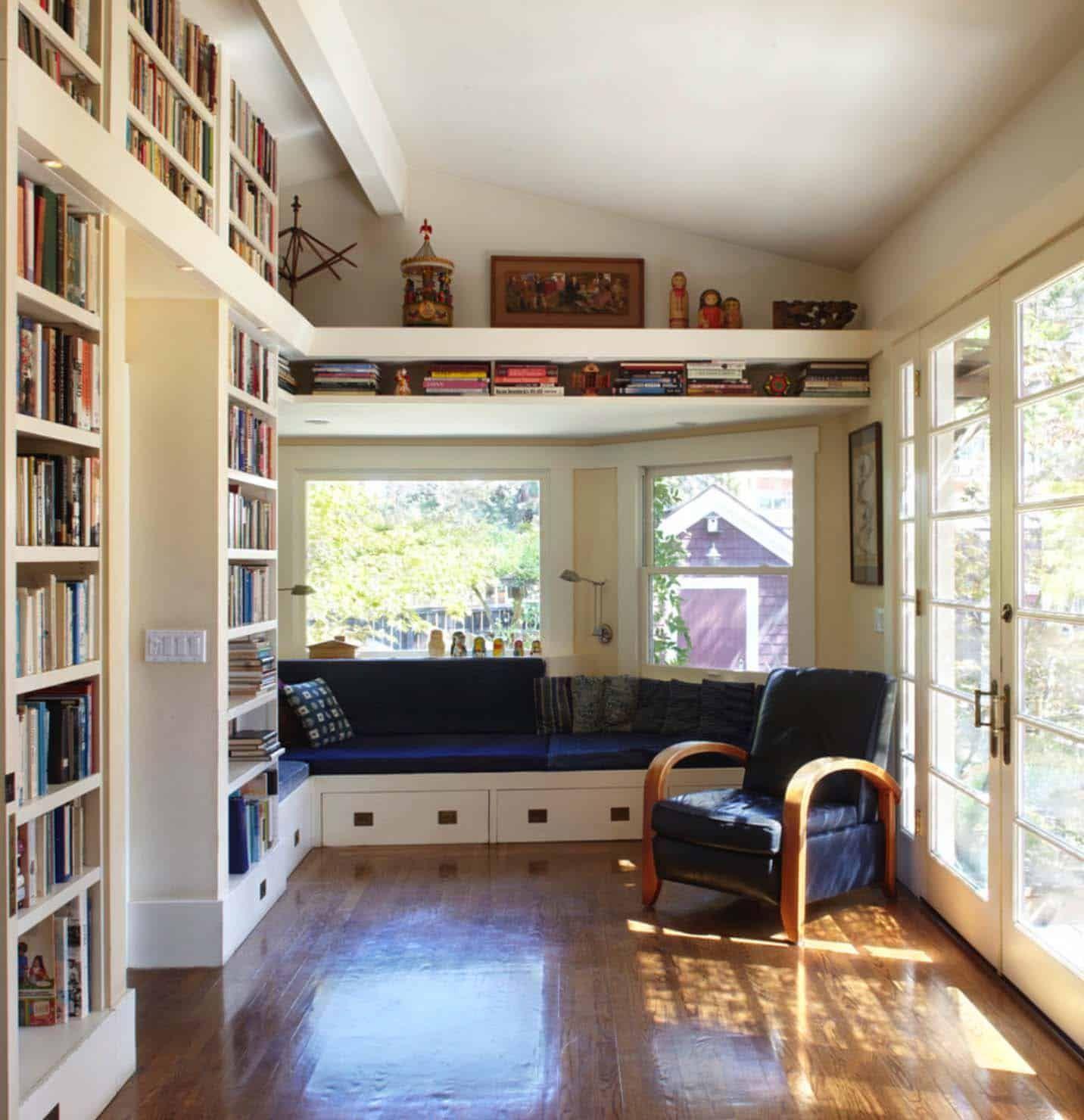 Home Libraries Showcasing Window Seats