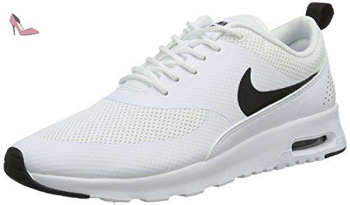 Downshifter 7 GS, Chaussures de Running Fille, Noir (Black/Volt/White), 37.5 EUNike