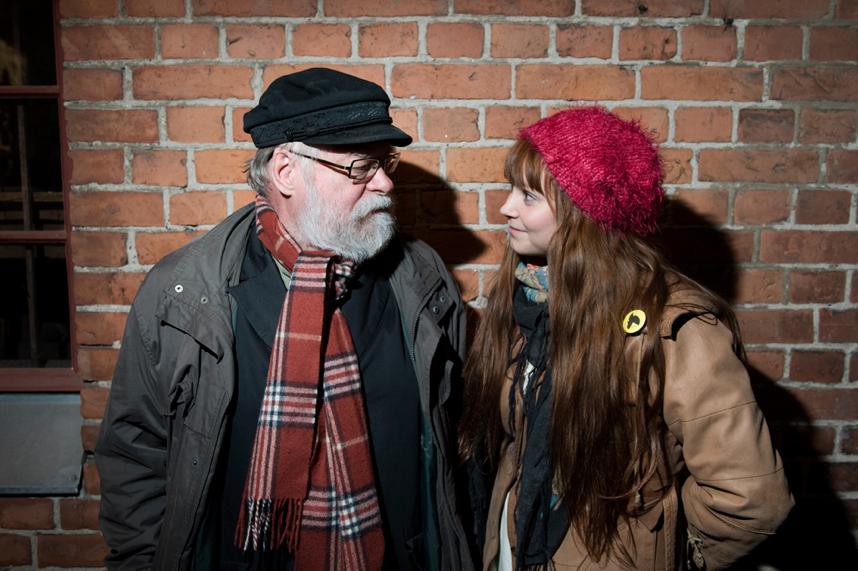 Kaj Chydeniuksen ja Minja Kosken yhteistyö laulujen parissa jatkuu. Syksyllä 2014 ilmestyi ensimmäinen yhteinen pitkäsoittolevy: Myrskylinnut. Levyn nimi tulee L. Onervan samannimisestä runosta. Teatteri Vanha Juko, Lahti ― 7.5.2015.
