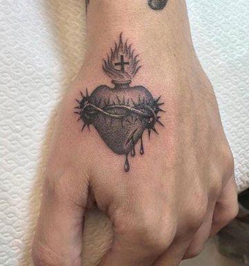 Fotos De Disenos De Tatuajes Del Sagrado Corazon De Jesus Tatuaje Sagrado Corazon Tatuaje Del Corazon Tatuajes