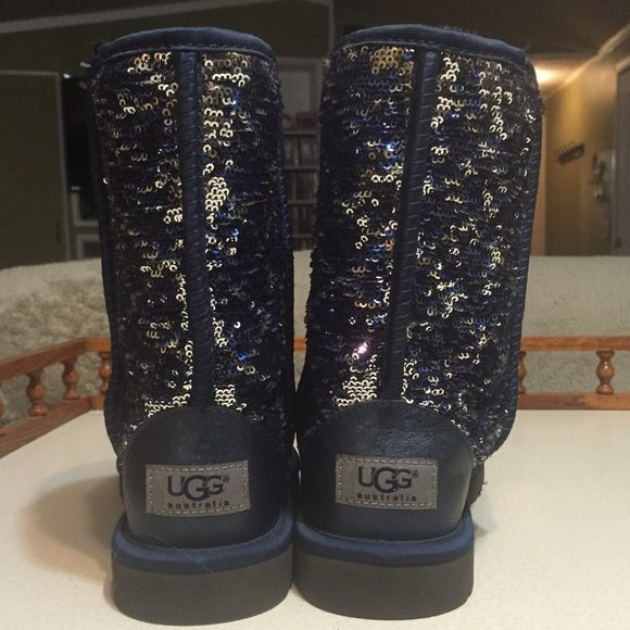 Blue Sequin Short Ugg Boots The sequins make a pattern one way, and can be brushed upwards to turn silver. Maybe worn 3 times; the fur feels brand new and isn't worn down. No trades. Make an offer  UGG Shoes