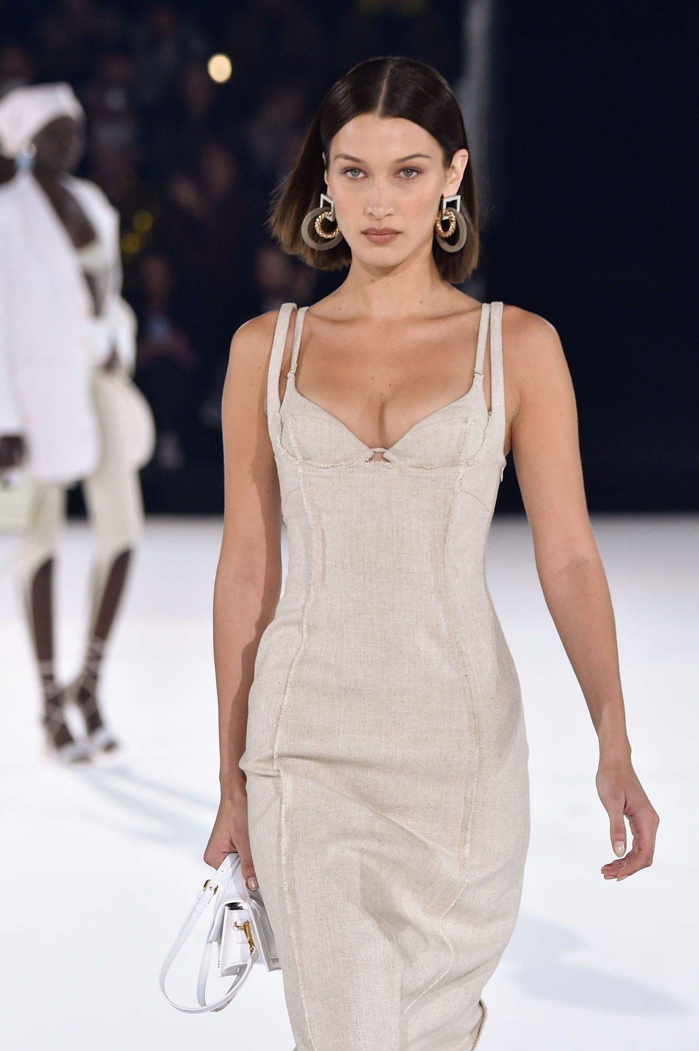 Pin de Ирина em стильные наряды em 2021 | Valentino