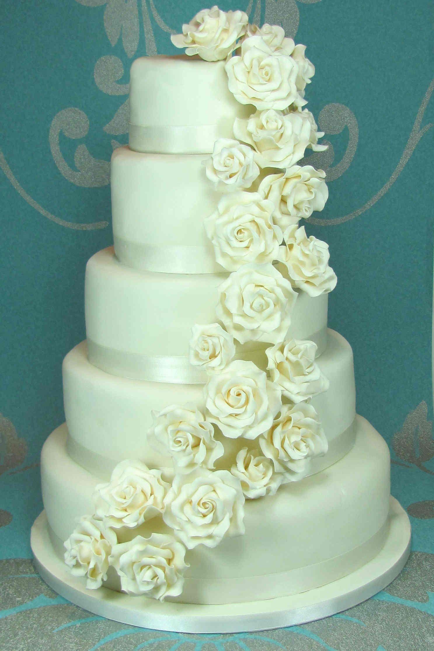Tortas De Matrimonio Con Flores Naturales Buscar Con Google