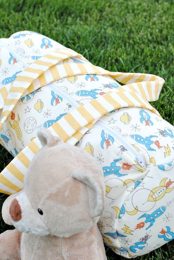 Kids Duffel Bag Tutorial   bolsos de tela   Pinterest   Costura ...