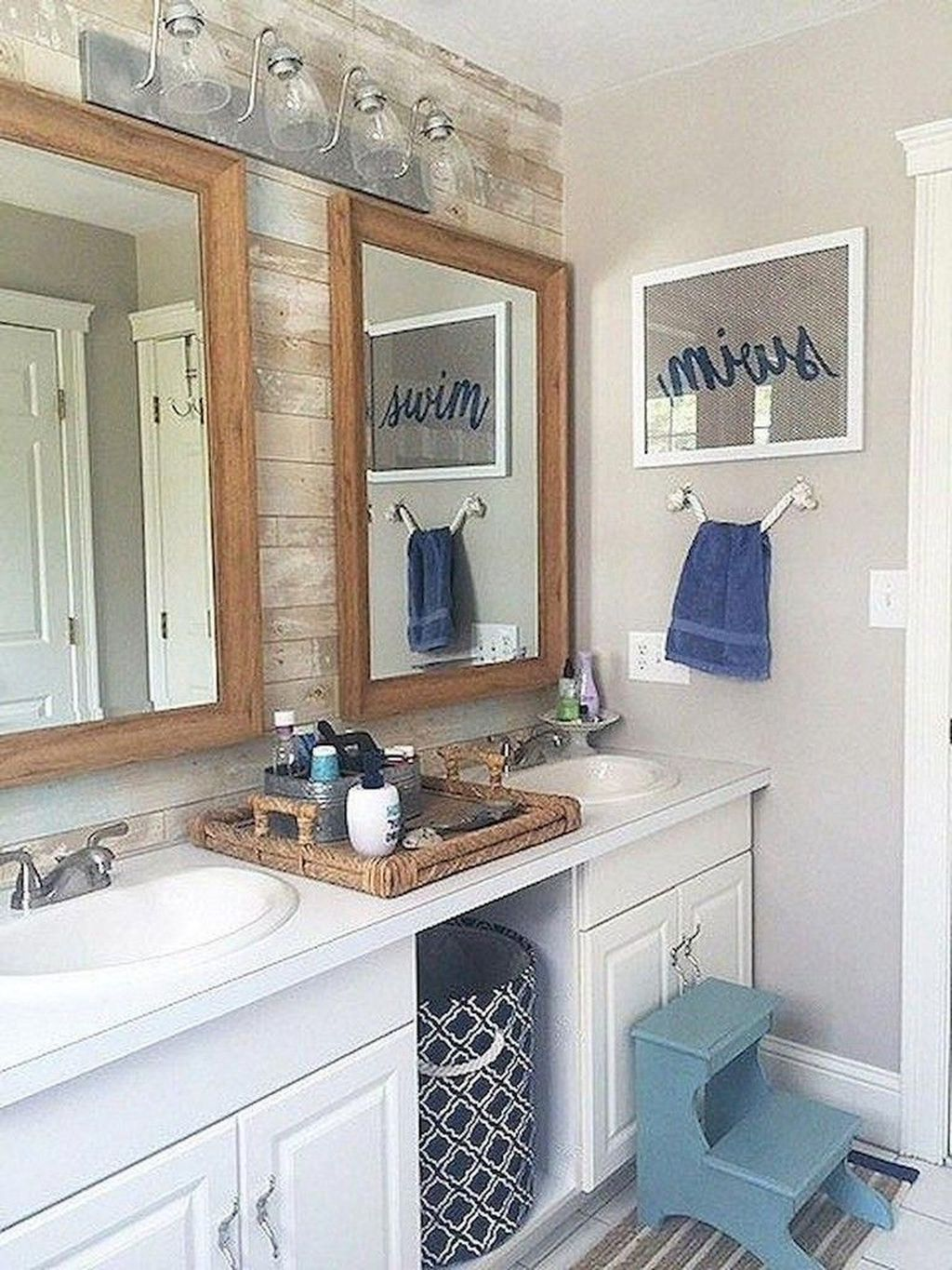 39 Stylish Coastal Nautical Bathroom Designs Ideas Decoomo Com In 2020 Diy Bathroom Remodel Coastal Bathroom Decor Nautical Bathroom Design Ideas