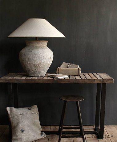 Side table gemaakt van oud stoer robuust oud hout - interieur ...
