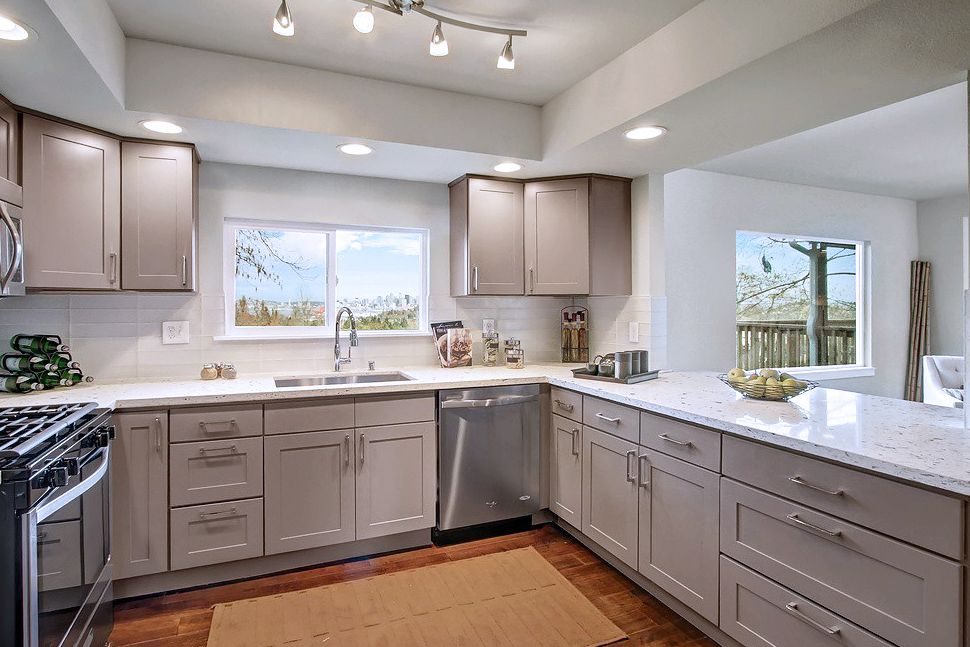Painted In A Medium Neutral Grey Our Grey Cabinets Provide A Fun And Personalized Twist To The Cl Ic Shaker Door Feel Free To Use It Throughout Your